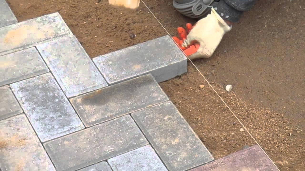 Картинки по запросу укладка тротуарной плитки подготовка