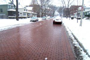Тротуарная плитка зимой